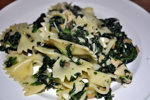 Farfalle-with-Spinach-and-Chicken-Main.jpg